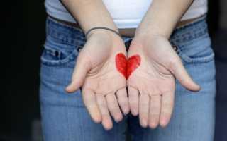 Какие особенности приворотов на менструальную кровь